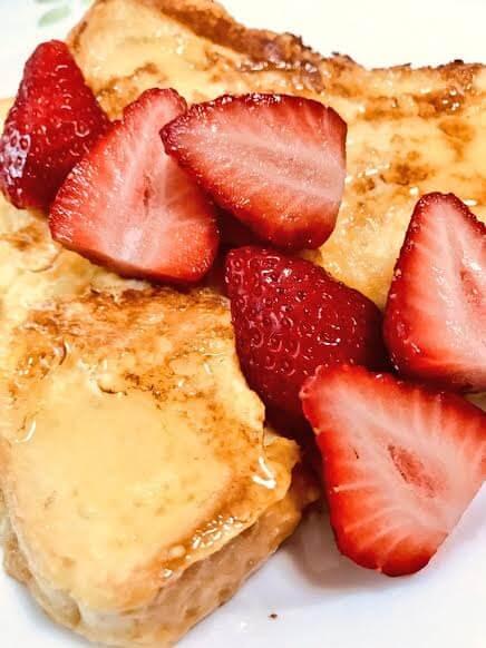 豆乳のフレンチトースト(イチゴのせ)
