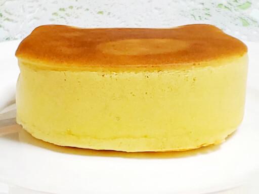商品レビュー。100均セリアのかんたん厚めのパンケーキモールド(ねこ型)を使ってみた。4回目の側面。