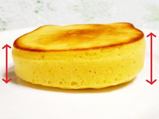 商品レビュー。100均セリアのかんたん厚めのパンケーキモールド(ねこ型)を使ってみた。3回目の完成品、側面。