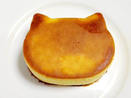 商品レビュー。100均セリアのかんたん厚めのパンケーキモールド(ねこ型)を使ってみた。表面7分。